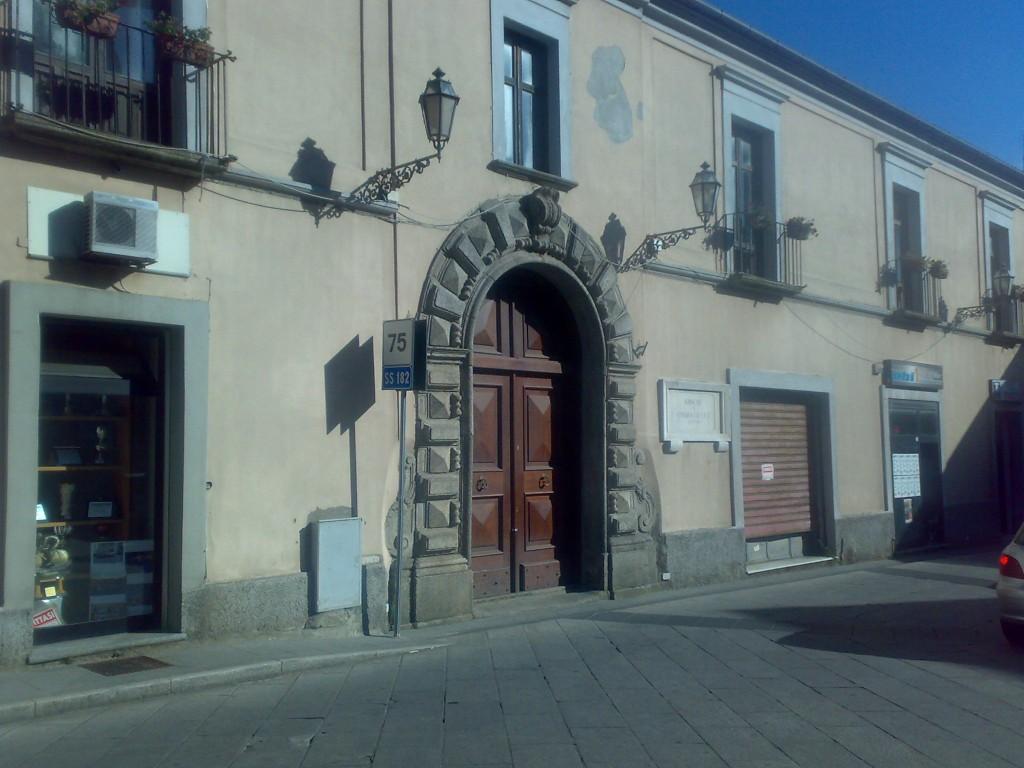 Chiaravalle, palazzo Staglianò