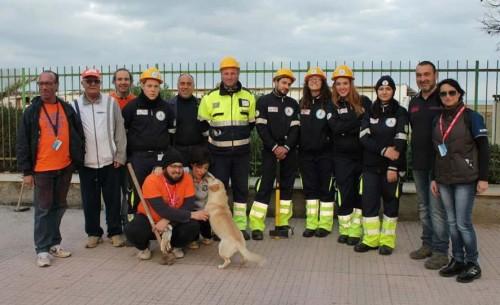 """I volontari della """"Rete"""" durante la giornata ecologica"""