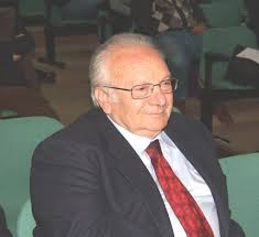 Il sindaco di Squillace Guido Rhodio