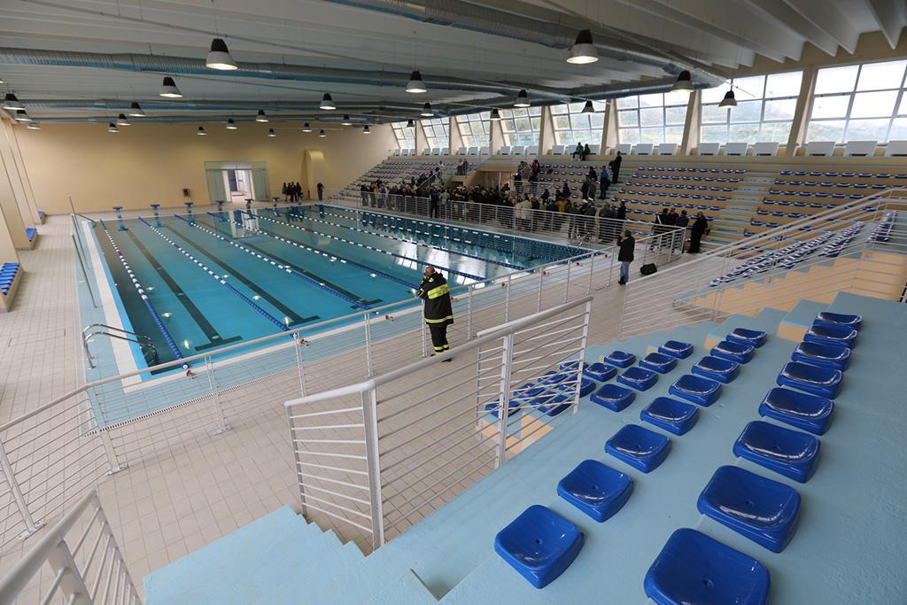 Primo piano squillace cz cassiodoro sporting center for Disposizione del piano piscina