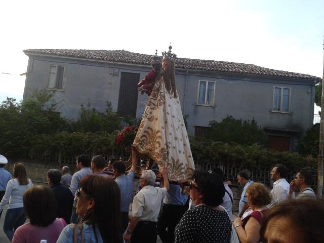 La Madonna del Carmelo durante la processione di ieri pomeriggio