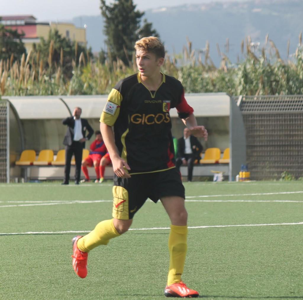 Raffaele Celia, cresciuto nel Real Montepaone, ora è in forza al Sassuolo, in Serie A