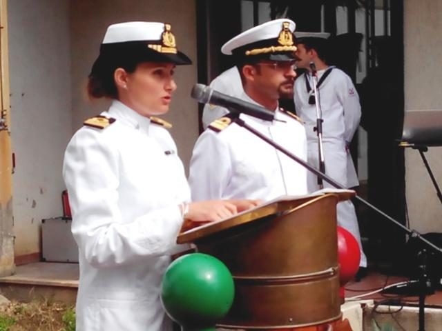 Ilaria Toraldo e Biagiuo Sciarra, il nuovo comandante e il predecessore