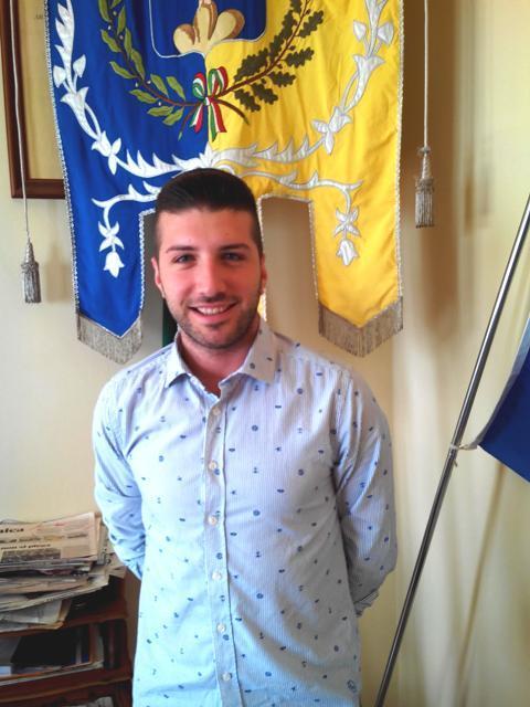 """Antonio Guzzi, consigliere  che ha lanciato lo slogan """"La scuola al centro"""""""