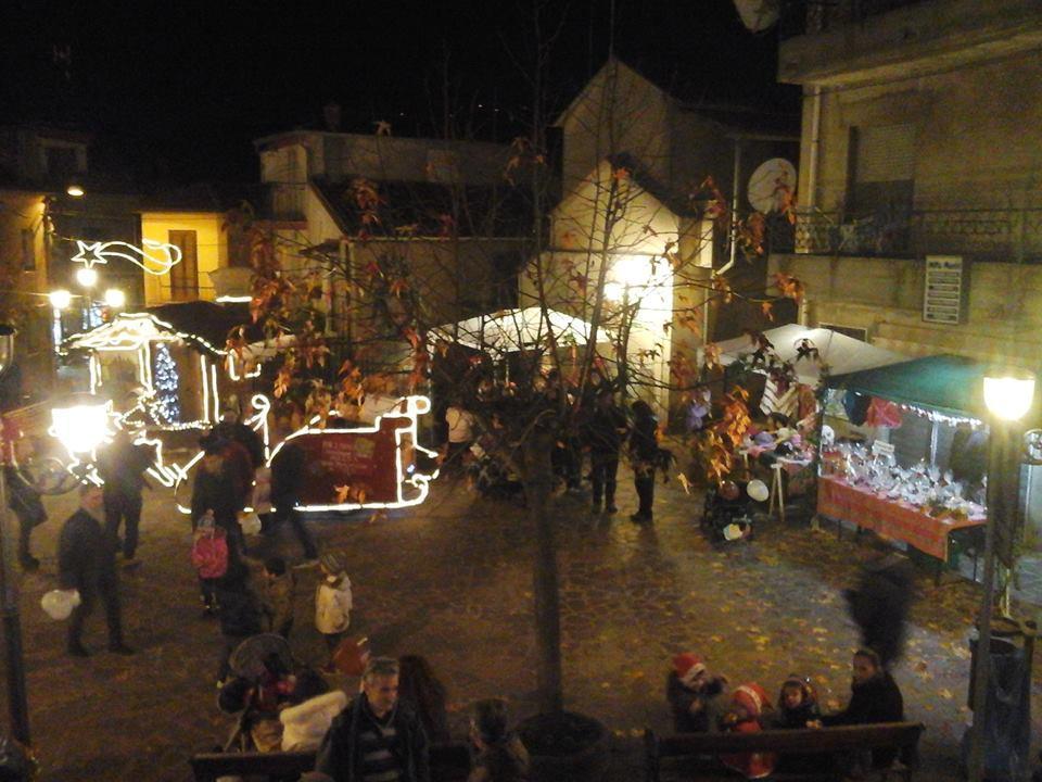 """Le vie del centro storico amaronese """"illuminate"""" dal Mercatino"""