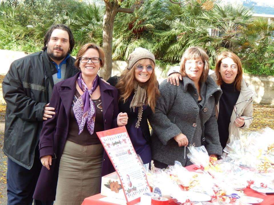 Natale 2014: parrocchiani impegnati in una delle tante iniziative in programma