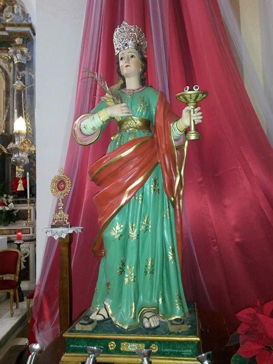 La statua di Santa Lucia venerata nella chiesa Matrice di Amaroni
