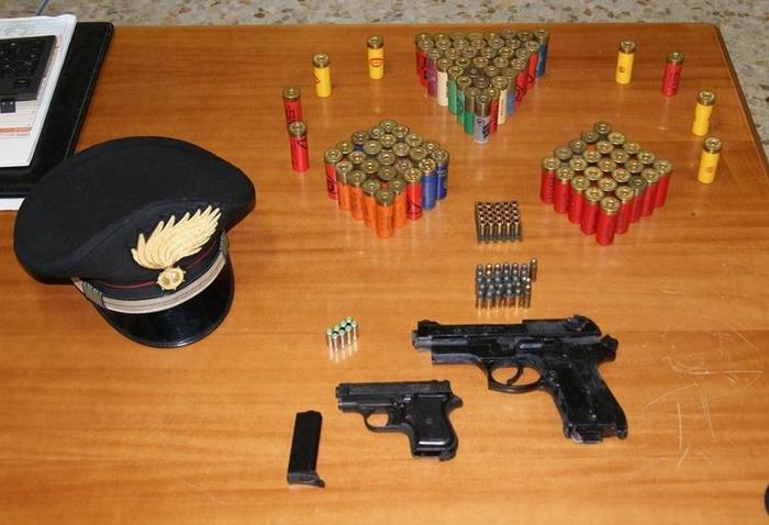 Criminalità: trovate a Soveria Mannelli pistole a salve e munizioni