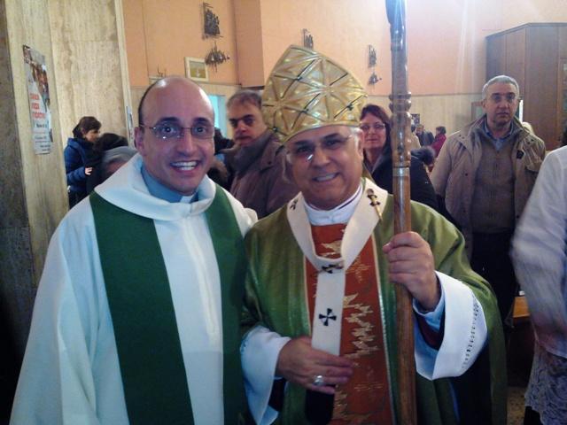 Don Roberto Corapi e monsignor Vincenzo Bertolone