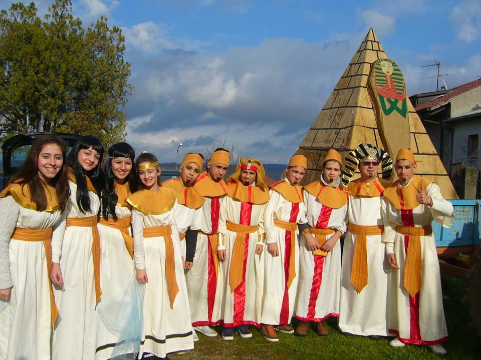 """Uno dei gruppi mascherati che ha animato il """"Carnevale Amaronese"""""""