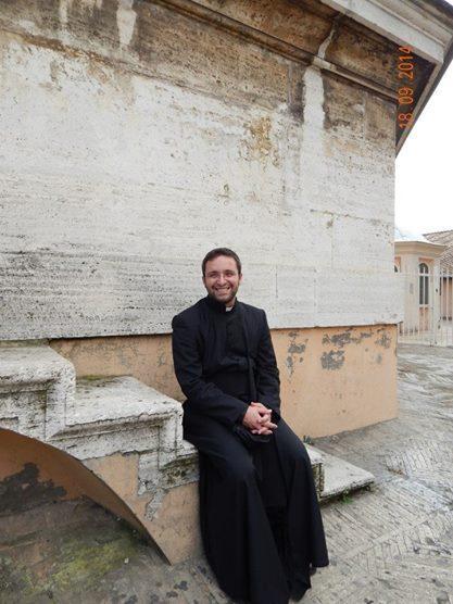 Don Fabrizio, sta riscuotendi noptievoli consensi il suo modo di curare la liturgia