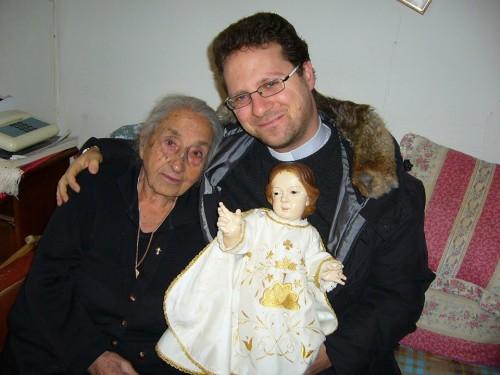 Mariuzza Chiodo con don Antonio Scicchitano