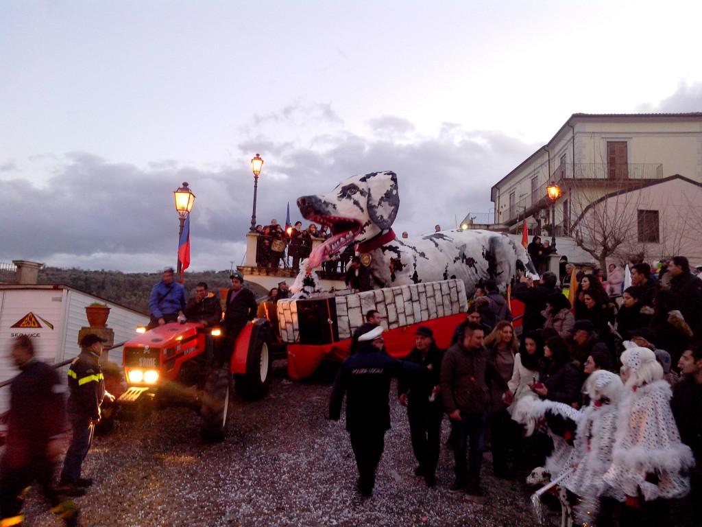 """La contagiosa allegria del """"Carnevale Squillacese"""""""