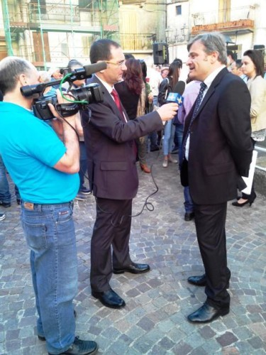 Mario Migliarese intervistato durante la presentazione della compagine che lo sostiene