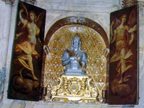 La statua di sant'Agazio custodita e venerata nella basilica cattedrale di Squillace