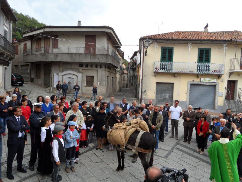 Benedizione_in_piazza (1)
