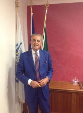 Catanzaro legge di stabilita manno scrive ai for Parlamentari calabresi