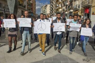 Un momento della manifestazione a Cosenza