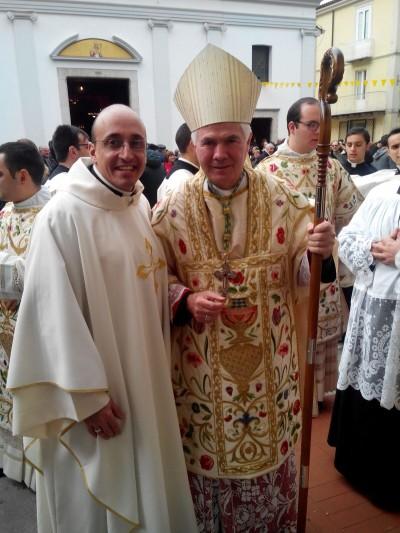Don Roberto assieme a monsignor D'Ercole